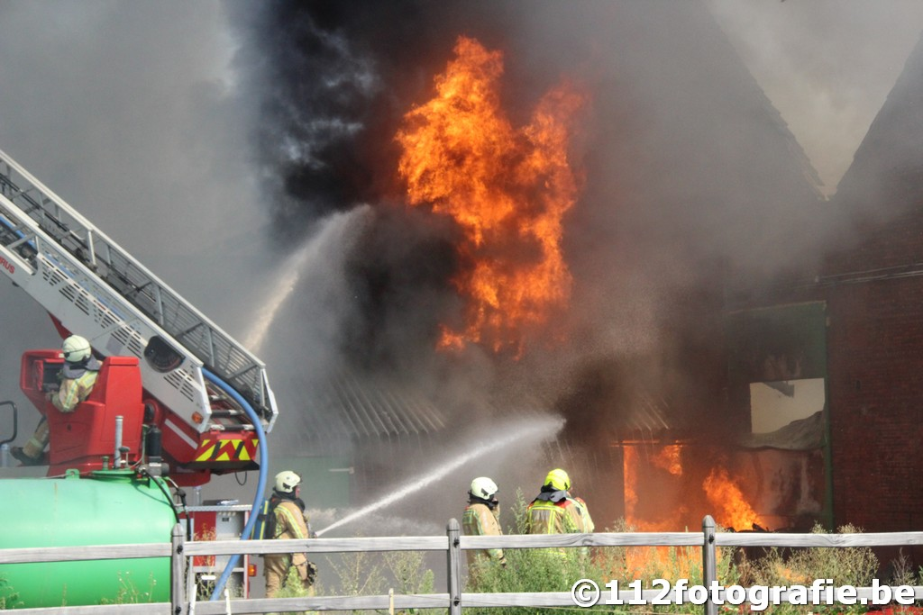 Zware uitslaande brand te Stabroek